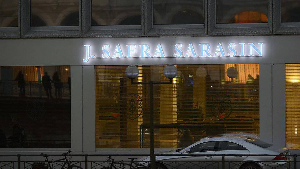 Ein deutsches Gericht verurteilte die Bank  J. Safra Sarasin dazu, dem Besitzer der deutschen Drogeriemarktkette Müller 45 Millionen Euro zu bezahlen. (Archiv)