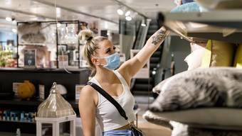 In Läden des Kantons Solothurn gilt seit einer Woche die Maskenpflicht.