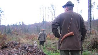 Für einen Jäger endete die Fahrt über die Grenze in einem Fiasko. (Symbolbild)