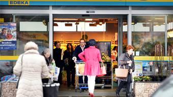 Einkaufstouristen im grenznahen Ausland.