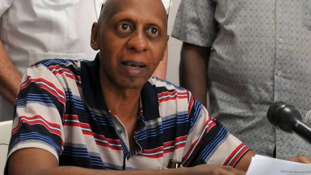 Der kubanische Dissident Farinas bei einer Pressekonferenz im Mai 2011