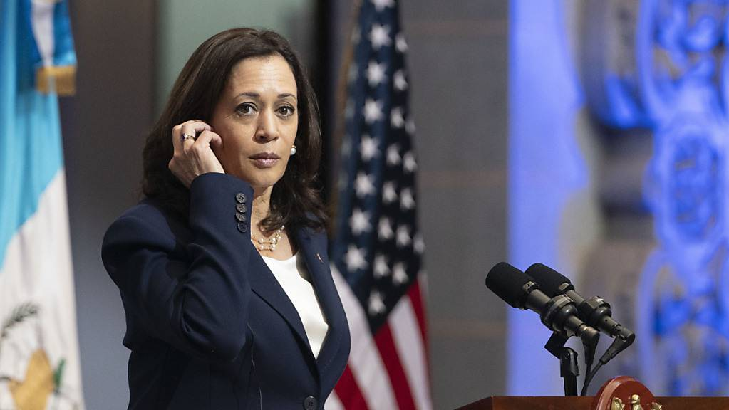 Kamala Harris, Vizepräsidentin der USA, spricht während einer gemeinsamen Pressekonferenz mit dem Präsidenten von Guatemala.