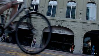 Der «Tatort» der geheimen Treffen zwischen Bundesanwalt und Fifa-Boss: Luxus-Hotel Schweizerhof am Bahnhofplatz in Bern.