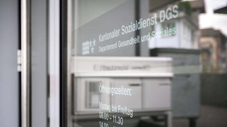 Die Staatsanwaltschaft hat Verfahren gegen Mitarbeiter des kantonalen Sozialdienstes eröffnet.