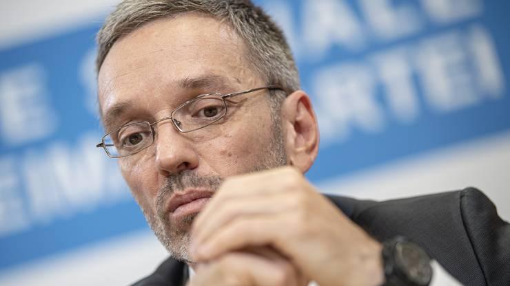 Kurz zieht Konsequenzen und will Innenminister Herbert Kickl (FPÖ) entlassen. Kickl war FPÖ-Generalsekretär, als das Skandal-Video im Juli 2017 auf Ibiza entstand.