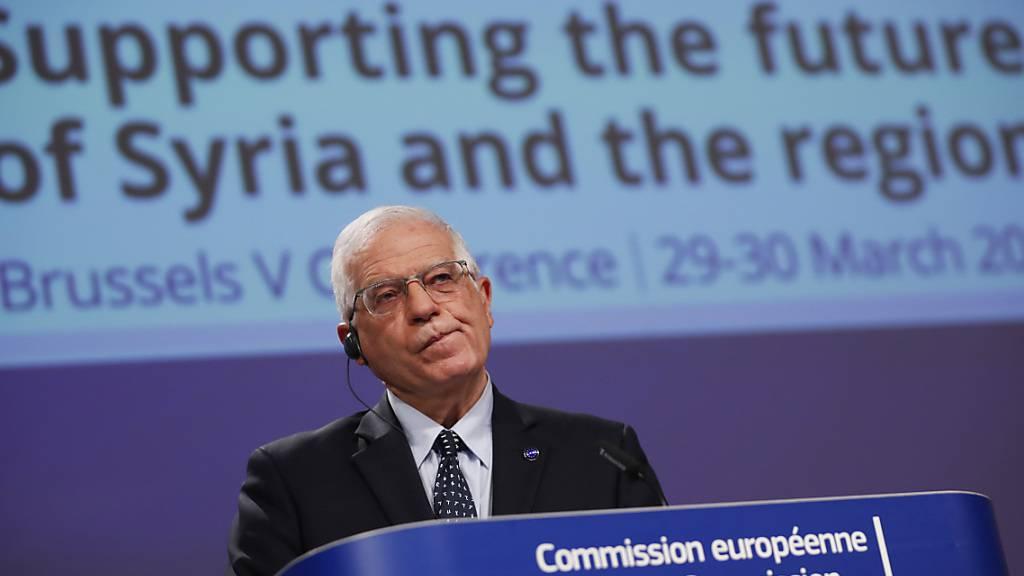 Josep Borrell, Hoher Vertreter der Union für Außen- und Sicherheitspolitik, nimmt an einer gemeinsamen Online-Pressekonferenz mit dem Untergeneralsekretär der UN für humanitäre Angelegenheiten und Nothilfekoordination, Lowcock, nach einer Konferenz zur Unterstützung der Zukunft Syriens und der Region teil. Foto: Francisco Seco/Pool AP/dpa