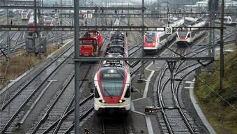 Laut dem Bundesrat würde eine zusätzliche Schnellzugsverbindung von Winterthur über Bülach nach Basel nicht einmal der Stammlinie nützen, die IC-Linie Basel–Zürich würde dadurch kaum entlastet werden.
