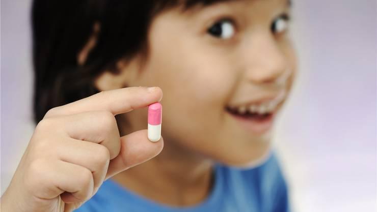 Mit geeigneter Kommunikation die Genesung fördern: Besonders bei Kindern spielt es eine grosse Rolle, wie ihnen eine bestimmte Behandlung erklärt wird.Shutterstock