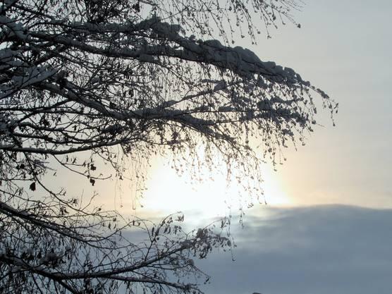 Wolken -Sonnenspiel von Erika Auerswald aus Urdorf