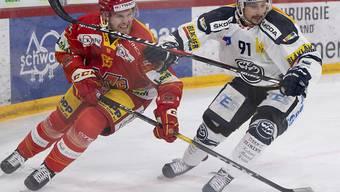Biels Will Petschenig (links) gegen Ambris Fabio Hofer
