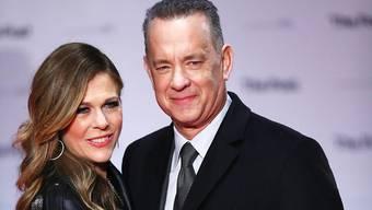 Rita Wilson mit Ehemann Tom Hanks: Auf ihrem neuen Musikalbum thematisiert sie ihre Krebserkrankung. (Archivbild)