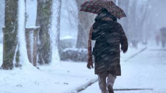 Die Aussichten auf weisse Weihnachten sind intakt. Die Schneefallgrenze sinkt in der Nacht auf Freitag bis ins Flachland. (Symbolbild).