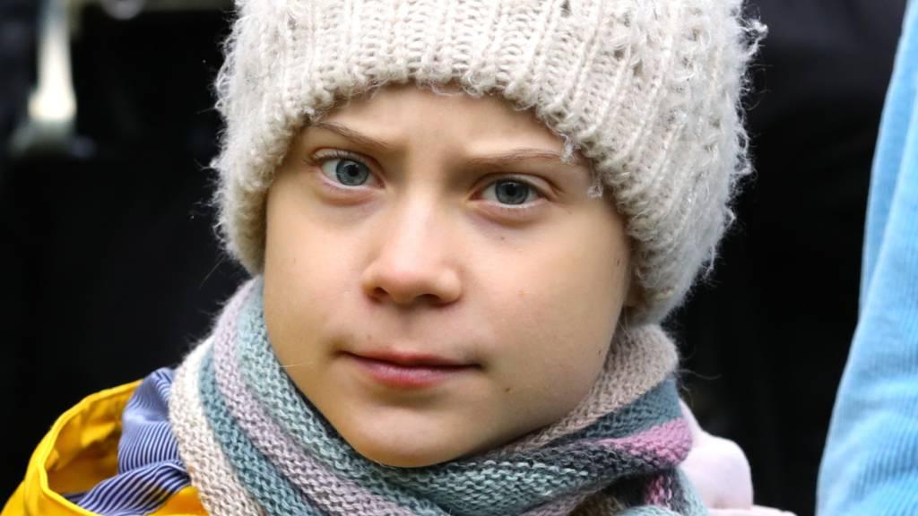 ARCHIV - Greta Thunberg, Klimaschutzaktivistin aus Schweden, nimmt an einem Klima-Streik teil. Foto: Aaron Chown/PA Wire/dpa