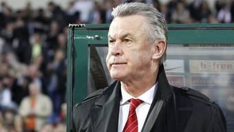 Ottmar Hitzfeld wird das Vakuum im offensiven Mittelfeld mehr beschäftigen als das Sturm-Problem.