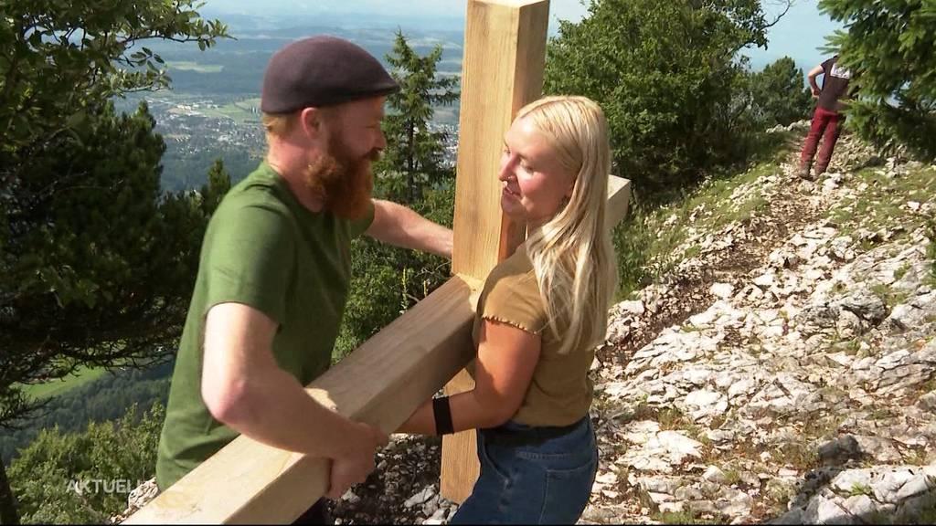 Illegales Gipfelkreuz bei Rüttenen von Braut und Bräutigam wieder abgebaut