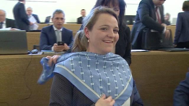 Protestiert SVP mit Edelweiss-Krawatten?