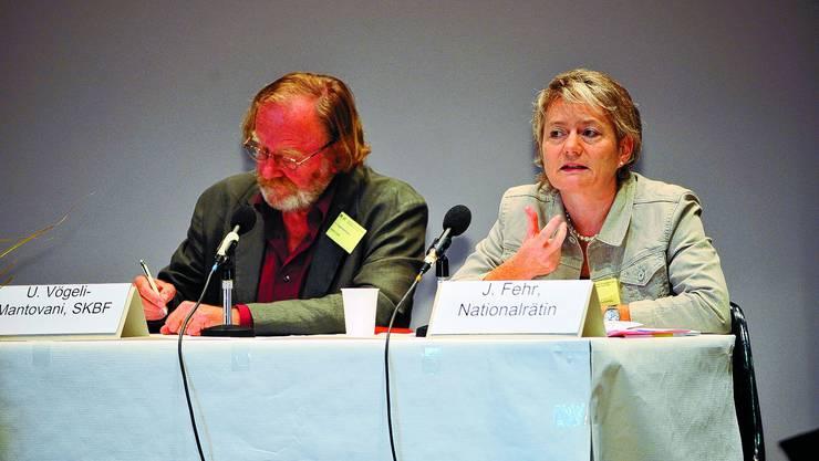 Debatte:  An einer Podiumsdiskussion anlässlich derTagung «Schulübergang und Selektion» legte sich die Zürcher SP-Politikerin Jacqueline Fehr für mehr Chancengleichheit ins Zeug. Sie diskutierte unter anderem mit Urs Vögeli-Mantovani (Schweizerischen Koordinationsstelle für Bildungsforschung. oliver menge