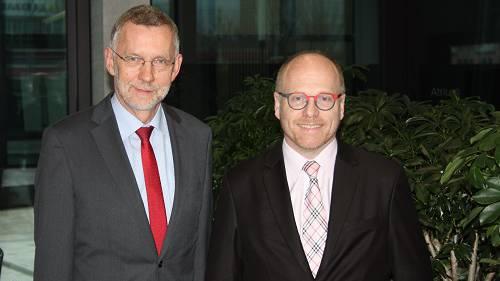 Markus Fritschi, Geschäftsleitungsmitglied der Nagra (li) und Philipp Hänggi, Leiter Nuklear und Kohle von der BKW Energie AG, klärten die Gäste auf zum Thema des Rückbaus von AKW und der nuklearen Entsorgung in der Schweiz.