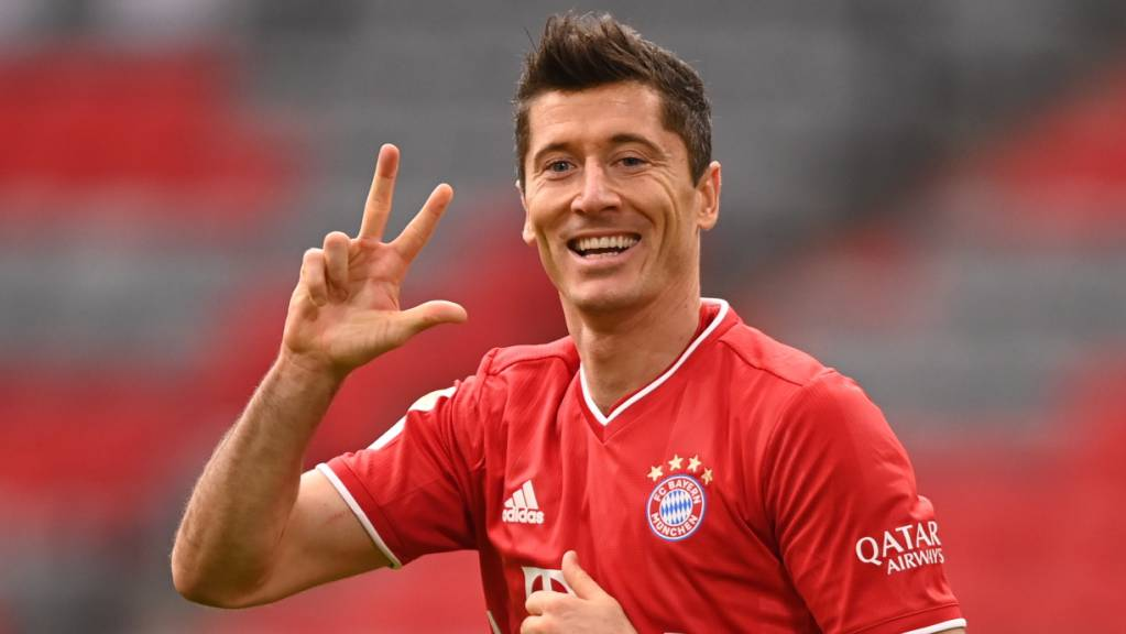 Unter den Top  3: Robert Lewandowski fordert bei der Wahl zum Weltfussballer die üblichen Verdächtigen Lionel Messi und Cristiano Ronaldo