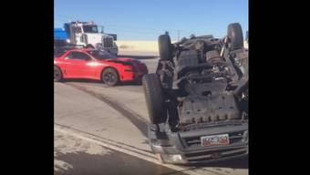 Absurd: Die Facebook-Slideshow von Josh Gibsons Autounfall.