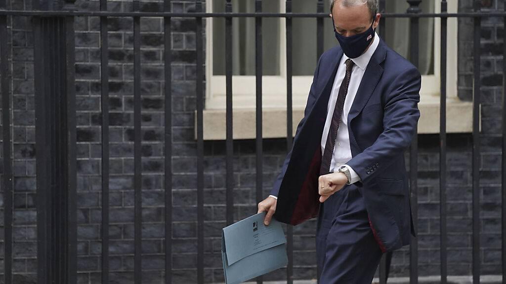 Dominic Raab, Außenminister von Großbritannien, am Montag (16.8.) in der Downing Street. Foto: Stefan Rousseau/PA/AP/dpa