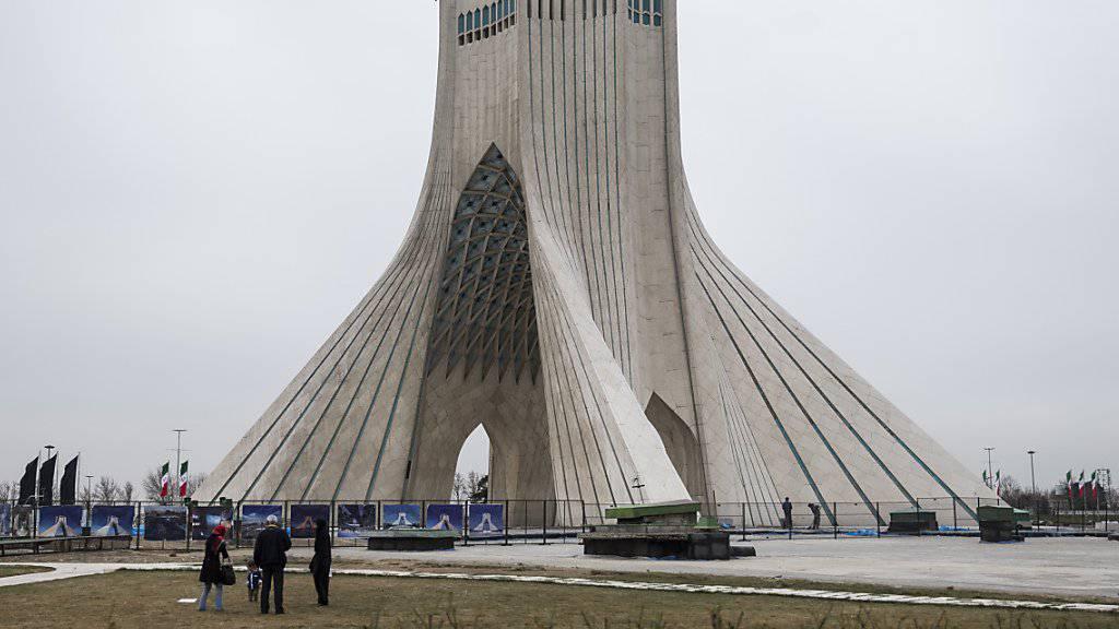 In Teheran werden nach dem Freitagsgebet wieder regimefreundliche Demonstrationen und Gegenproteste erwartet. (Archivbild)