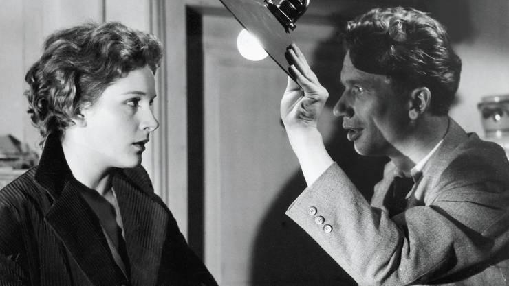 Linda Geiser sah man in vielen Franz-Schnyder-Filmen: 1957 in «Der 10. Mai» mit Heinz Reincke.