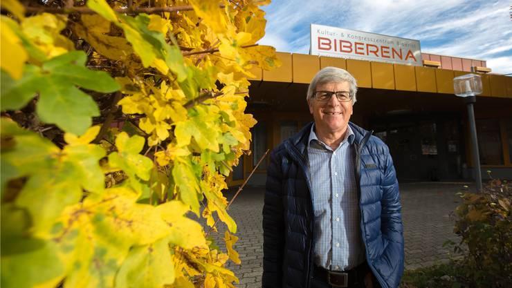 Franz Portmann, Präsident des Vereinskonvents Biberist, vor der Biberena, dem Veranstaltungszentrum der Biberister Vereine.