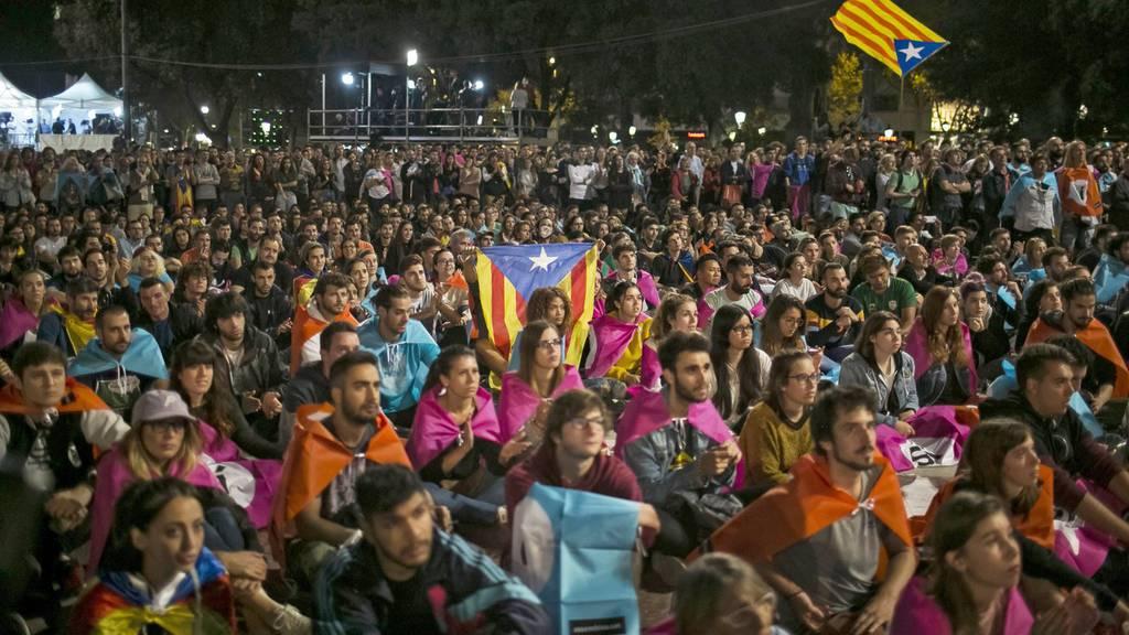 Hunderte Verletzte nach Ausschreitungen in Spanien