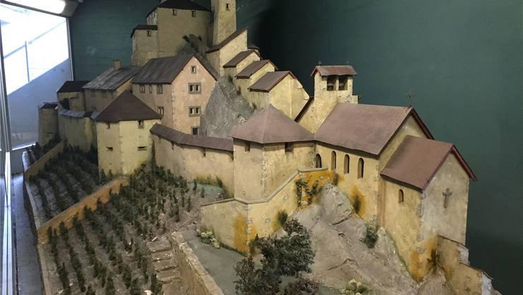 Während fast 50 Jahren war das Modell der Schlossruine Stein in der Schulhausplatz-Unterführung zu bestaunen.