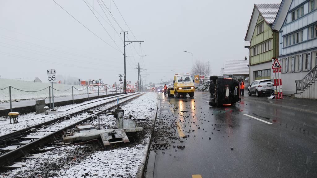 20-Jährige baut Selbstunfall - Zugausfälle zwischen Gais und Appenzell