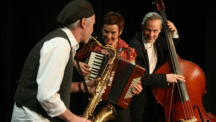 Daniel Schneider Saxophon, Cornelia Montani Akkordeon und Christoph Elsaesser Kontrabass