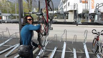 Neue Velostation: So wird das Fahrrad im oberen Stock parkiert.