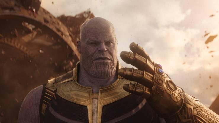 Auf ihn mussten sich Fans zehn Jahre lang gedulden: Oberbösewicht Thanos (Josh Brolin) macht den Superhelden das Leben schwer.