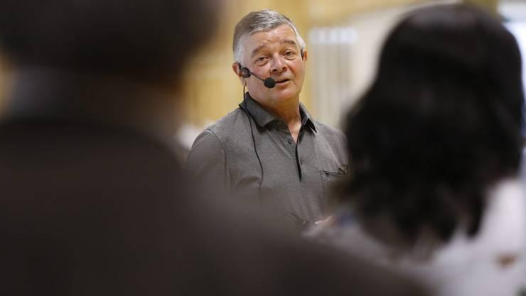 Gemeindepräsident Anton Probst bei einer Ansprache
