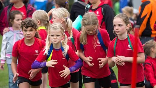 Der Ehrgeiz und der Sportgeist steht den jungen Athletinnen ins Gesicht geschrieben.
