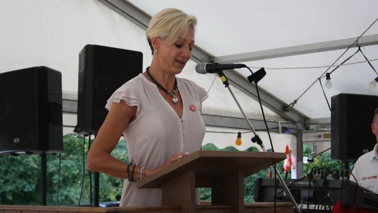 Die neue Oetwiler Gemeindepräsidentin Rahel von Planta (FDP) hielt die Festrede.