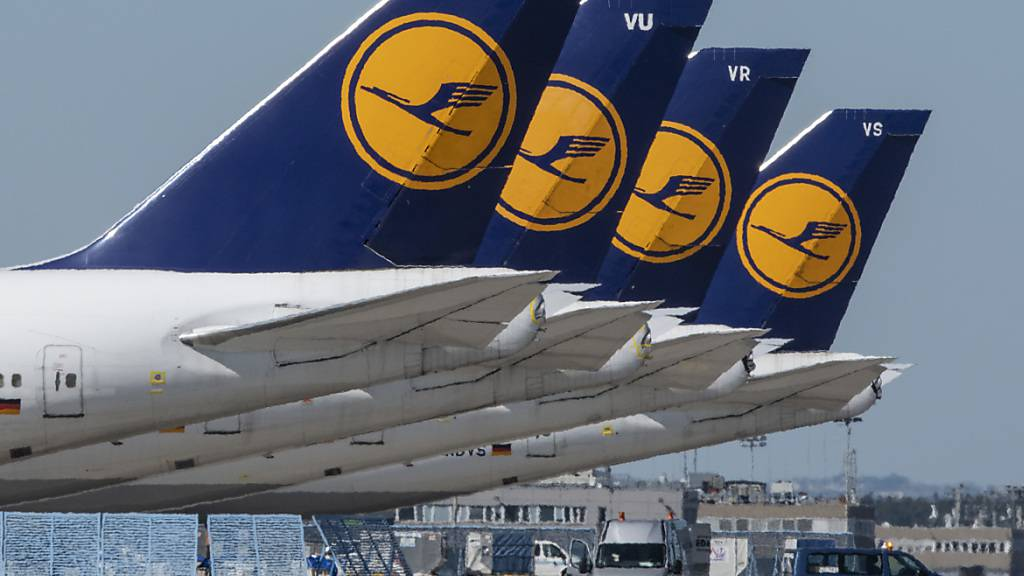 Lufthansa sieht keinen Zeitdruck bei Verkäufen von Firmenanteilen