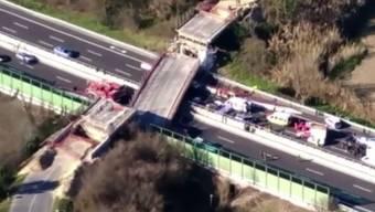 A14 bei Ancona: Die Unglücksstelle aus der Luft.