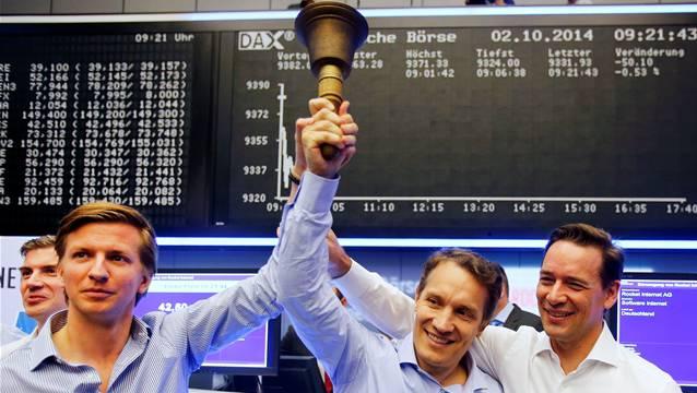 Am Morgen herrschte noch Freude: Eigentümer und Manager von Rocket Internet läuteten gestern die Glocke der Frankfurter Börse.Michael Probst/AP/KEYSTONE