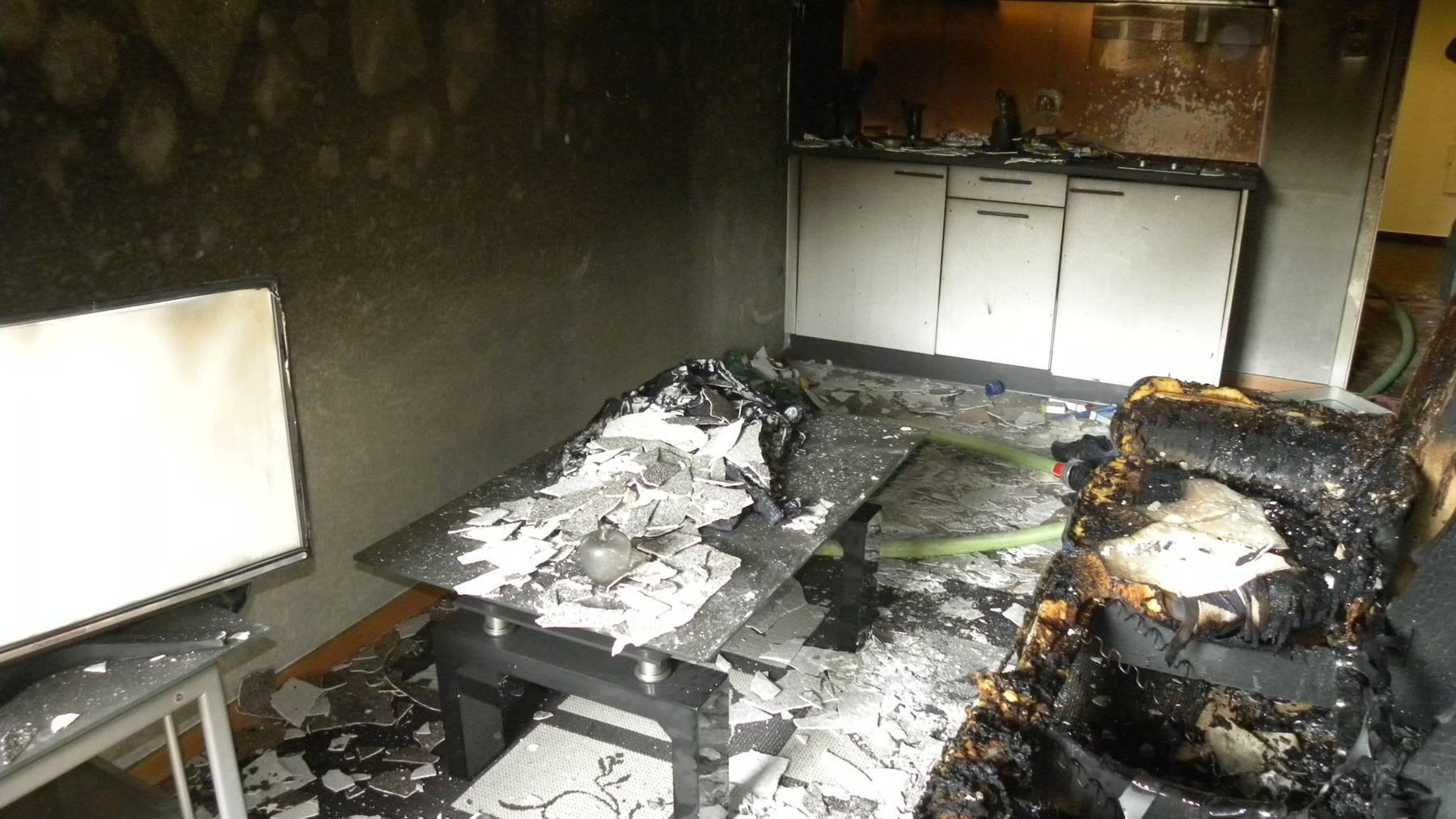Die Wohnung an der Redingstrasse brannte komplett aus.