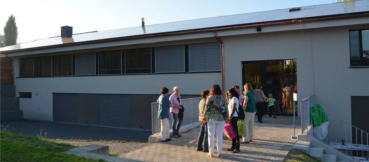 Die Photovoltaikanlage auf dem früheren Schulhaus Geltwil. Das Foto stammt aus dem Jahr 2012.