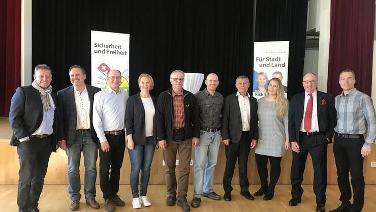 Anwesende Kandidierenden der SVP Bezirk Dietikon mit Natalie Rickli und Ernst Stocker im Gemeindesaal Unterengstringen