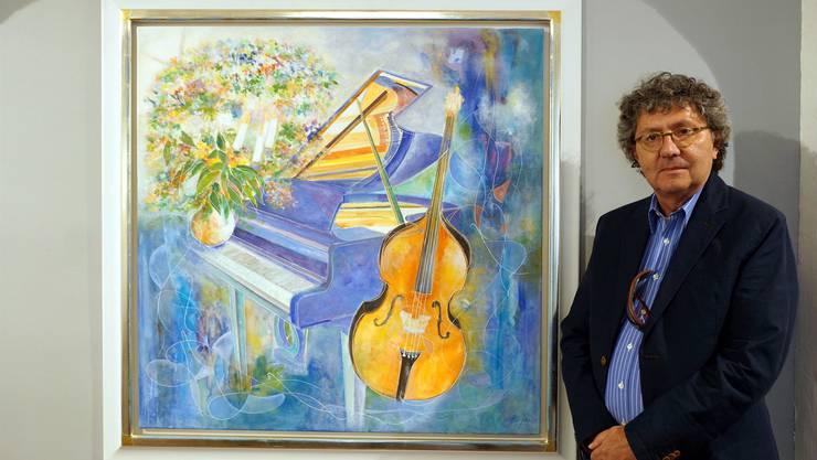 Instrumente sind immer wieder zu finden in Alban Weltis klassisch-harmonischen Bildwelten – er spielte in seiner Jugend selber Geige und Schlagzeug.