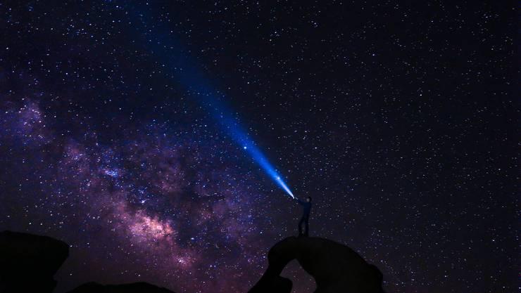 Offenbar haben die Ur-Mikroben den kosmischen Feuersturm nicht nur überlebt, sie sind möglicherweise sogar während dieser Phase entstanden. (Symbolbild)