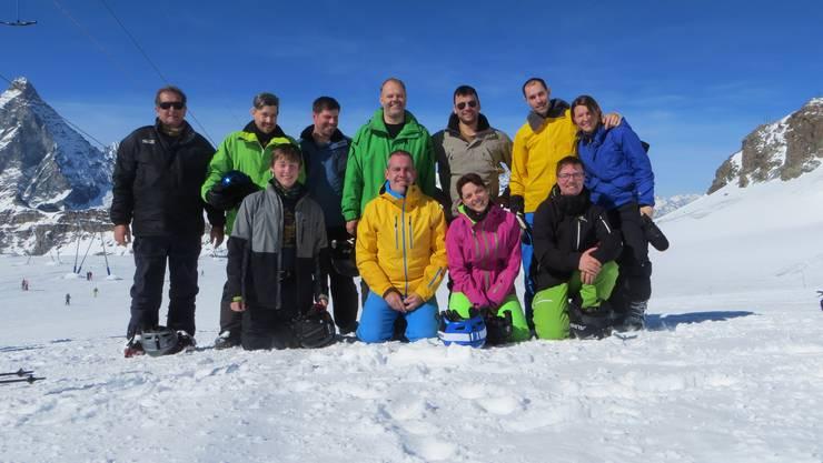 Gruppenfoto auf dem Gletscher.