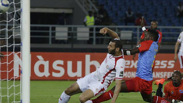 Hier scheitert Tunesiens FCZ-Star Yassine Chikhaoui ganz knapp.