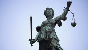 Justitia musste entscheiden (Symbolbild).