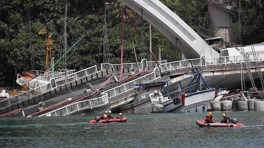 Vier Tote nach Brückeneinsturz auf Taiwan geborgen