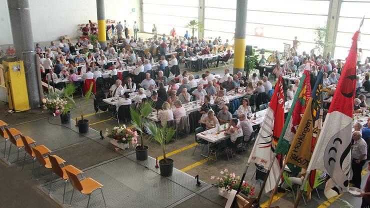Veteranentagung in der Halle der  Emil Egger AG in Härkingen